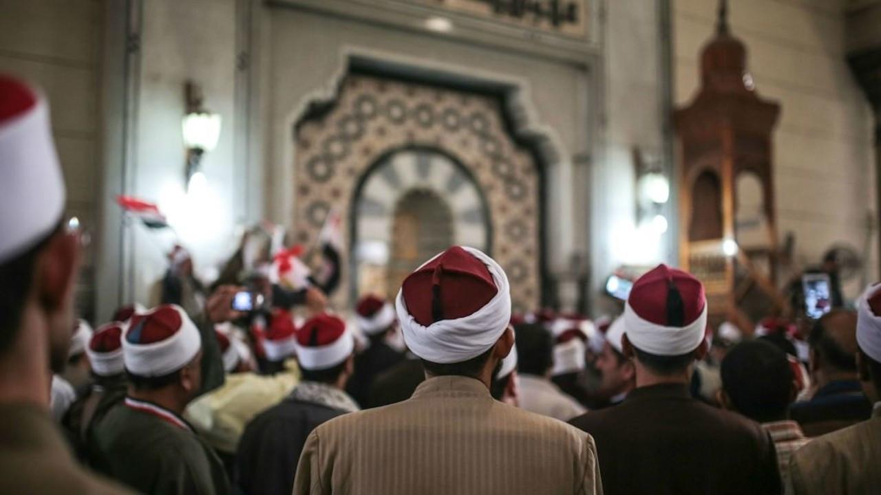 Mısır'da camilerin siyasi amaçlar için kullanılması yasaklandı