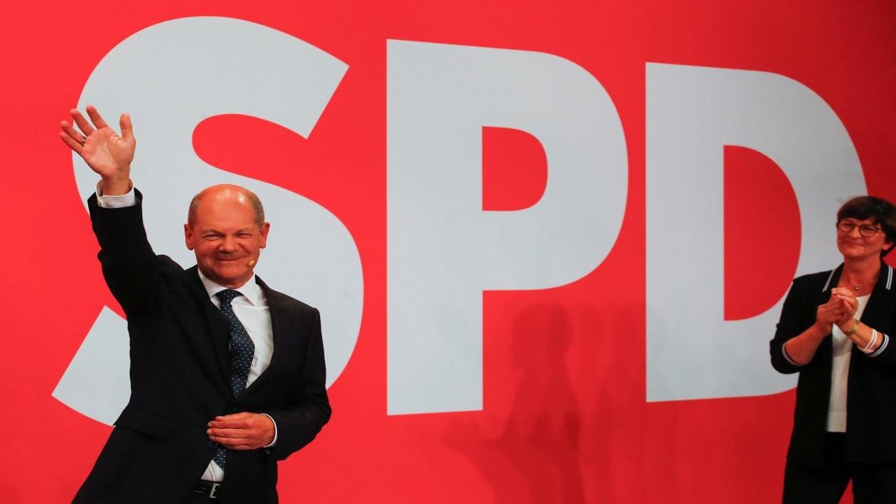Almanya'da Sosyal Demokrat Parti önde gidiyor