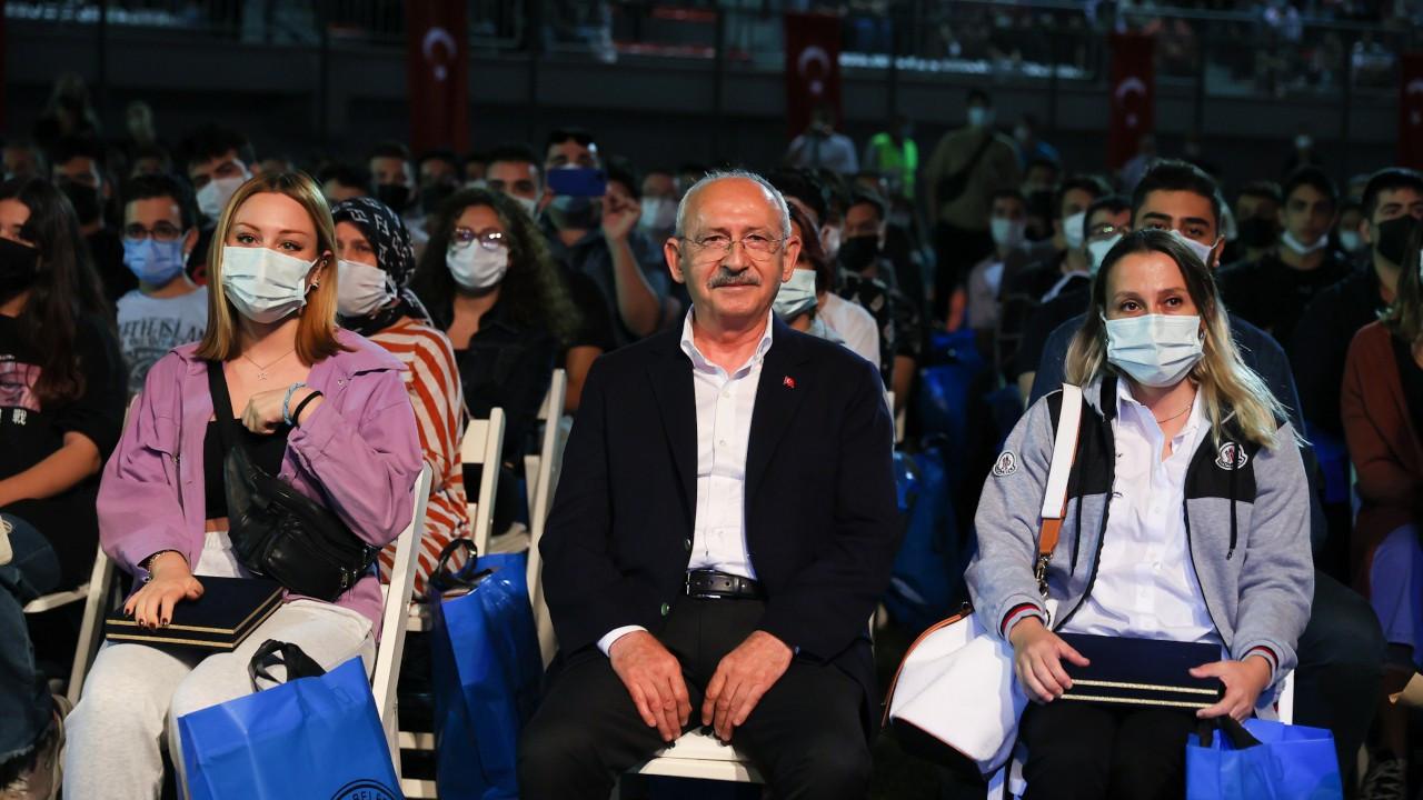 'Gence 'çıkar telefonun göster' diyen dayılara benziyorsun Erdoğan'