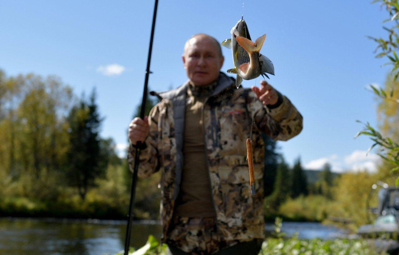 Putin'in Sibirya tatilinin fotoğrafları yayınlandı: Çadırda kalıp balık tuttu - Sayfa 4