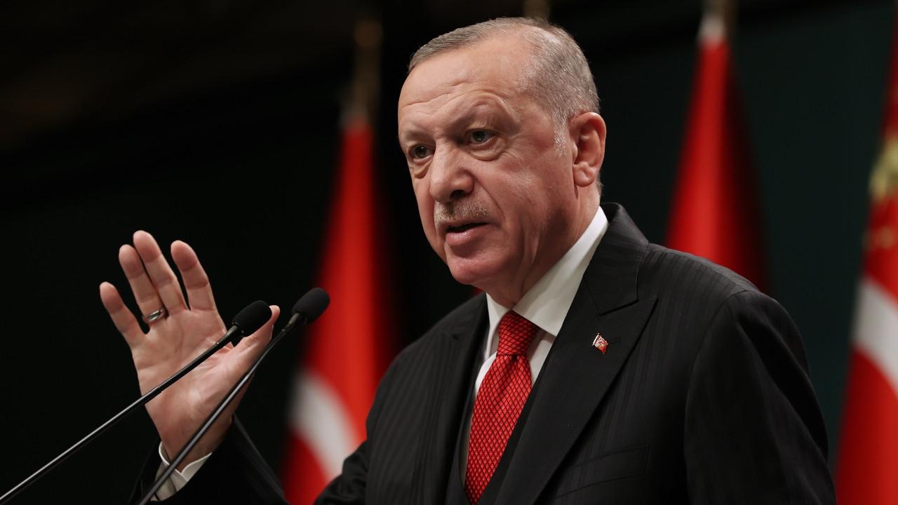 Erdoğan: Park ve banklarda yatanlar sözde öğrenci