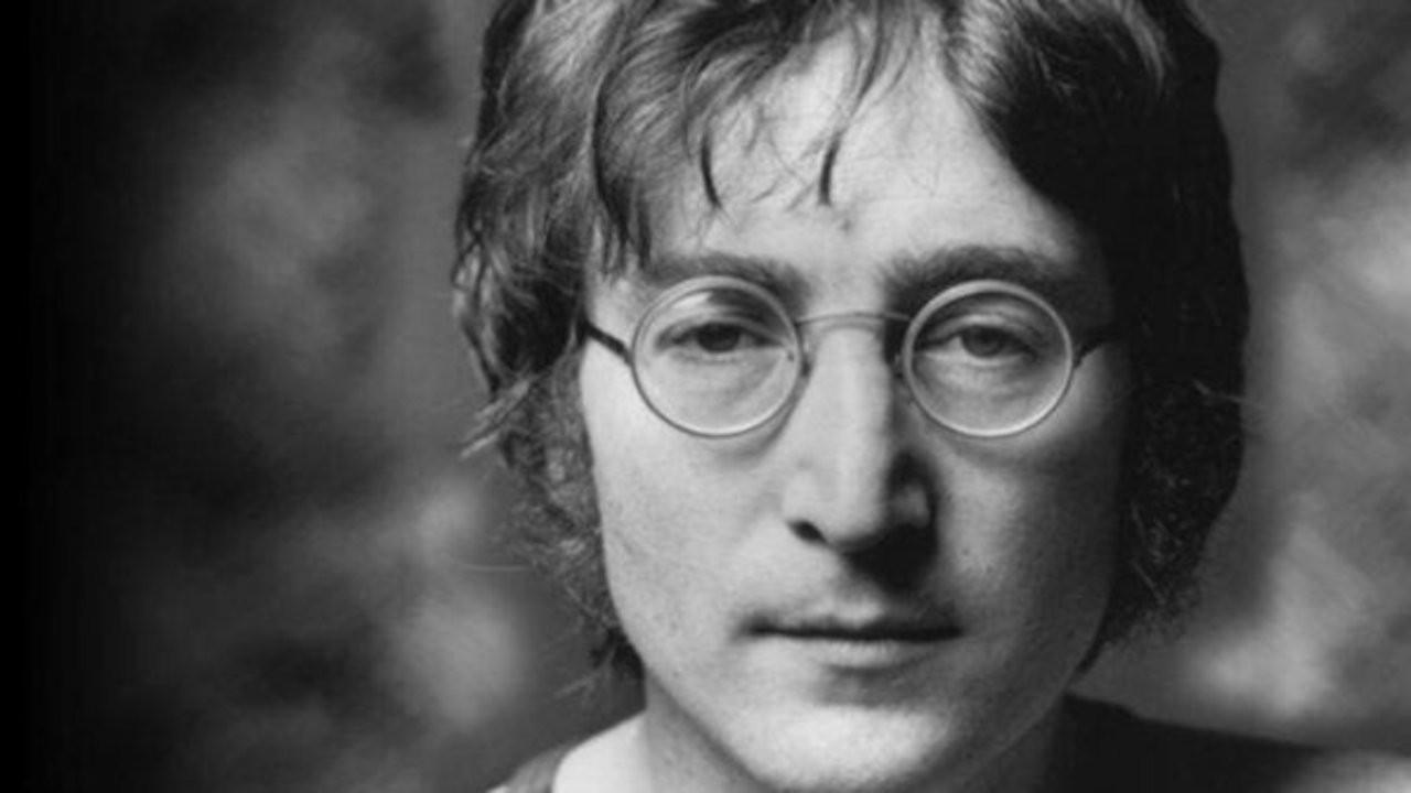 John Lennon'ın hiç duyulmamış şarkı kaydı açık artırmaya çıkarılıyor