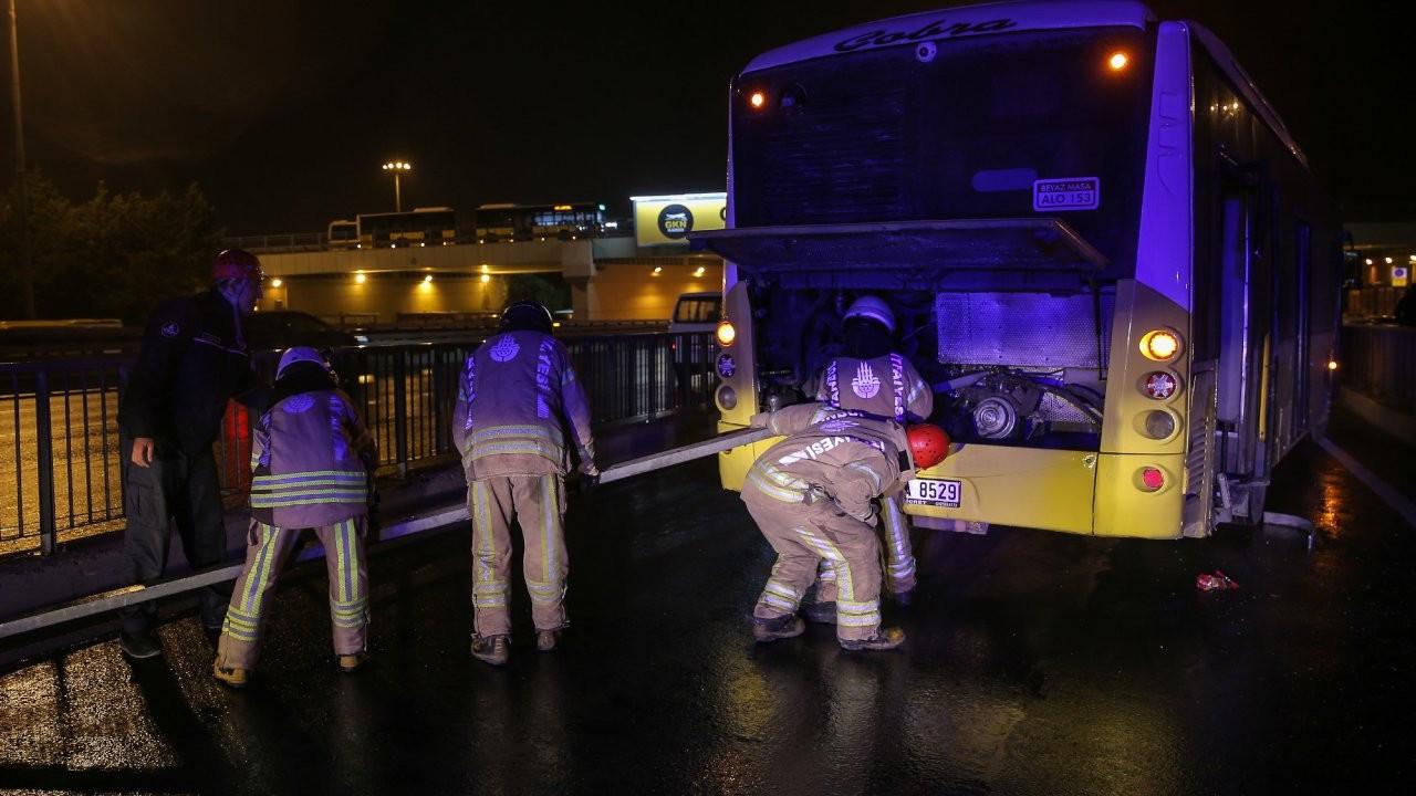 Avcılar'da halk otobüsü kaza yaptı: 1'i ağır 4 yolcu yaralı
