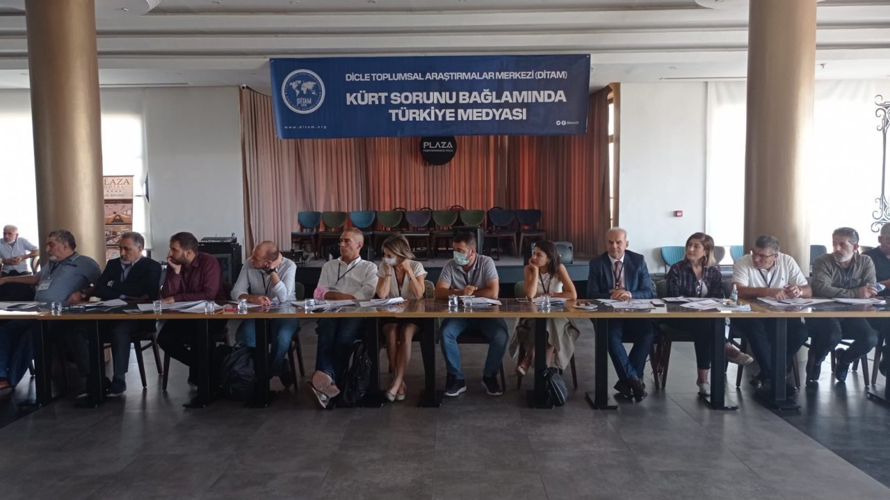 Türkiye medyası ve Kürt sorunu Diyarbakır'da tartışılıyor