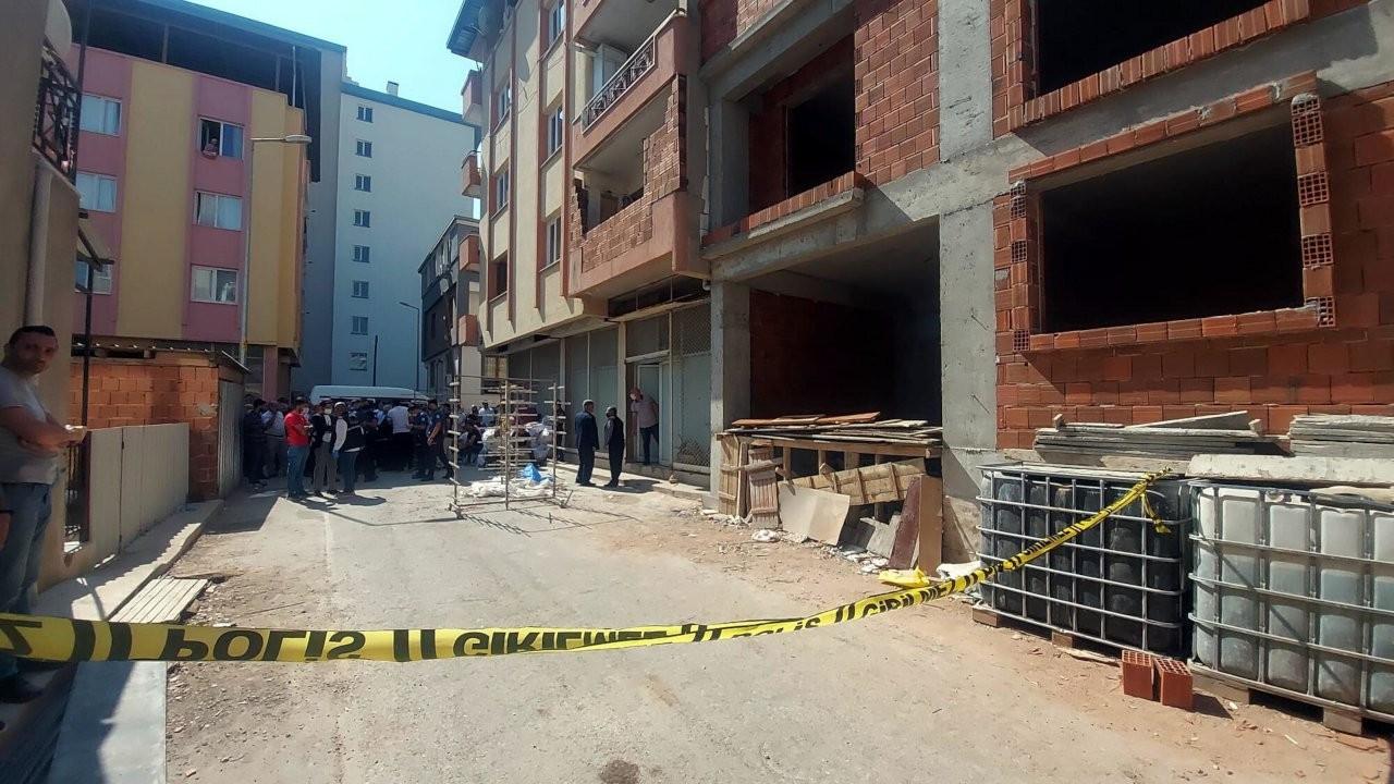 İzmir'de inşaatın balkonundan düşen işçi öldü