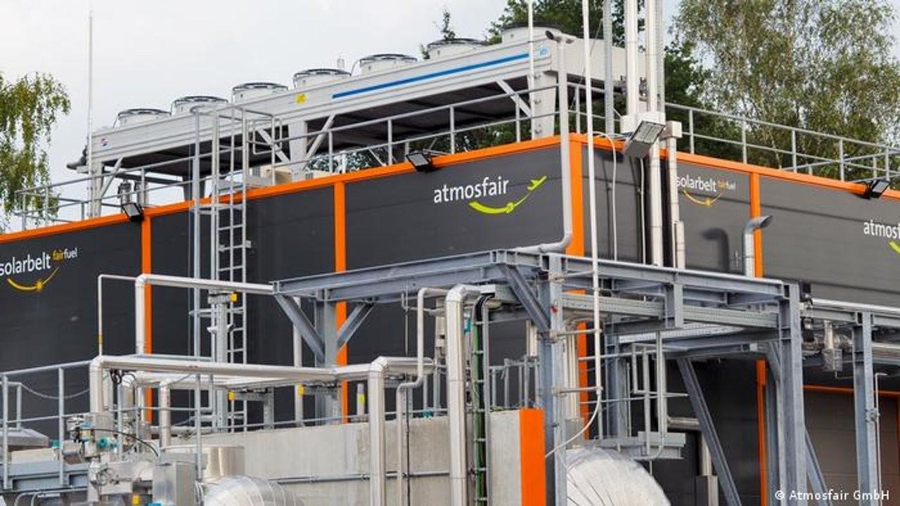 Almanya karbon salınımı sıfır olan uçak yakıtı üretecek