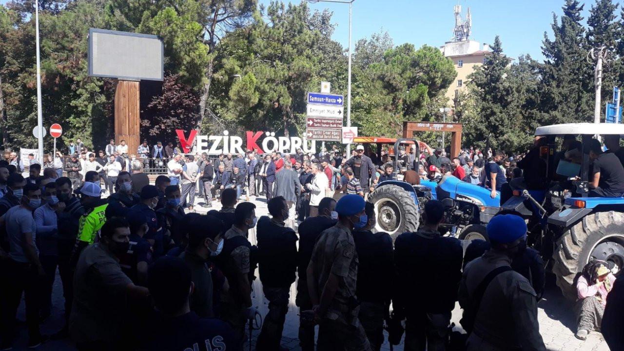 Vezirköprü Belediyesi önünde eylem yapan 6 kişi tutuklandı