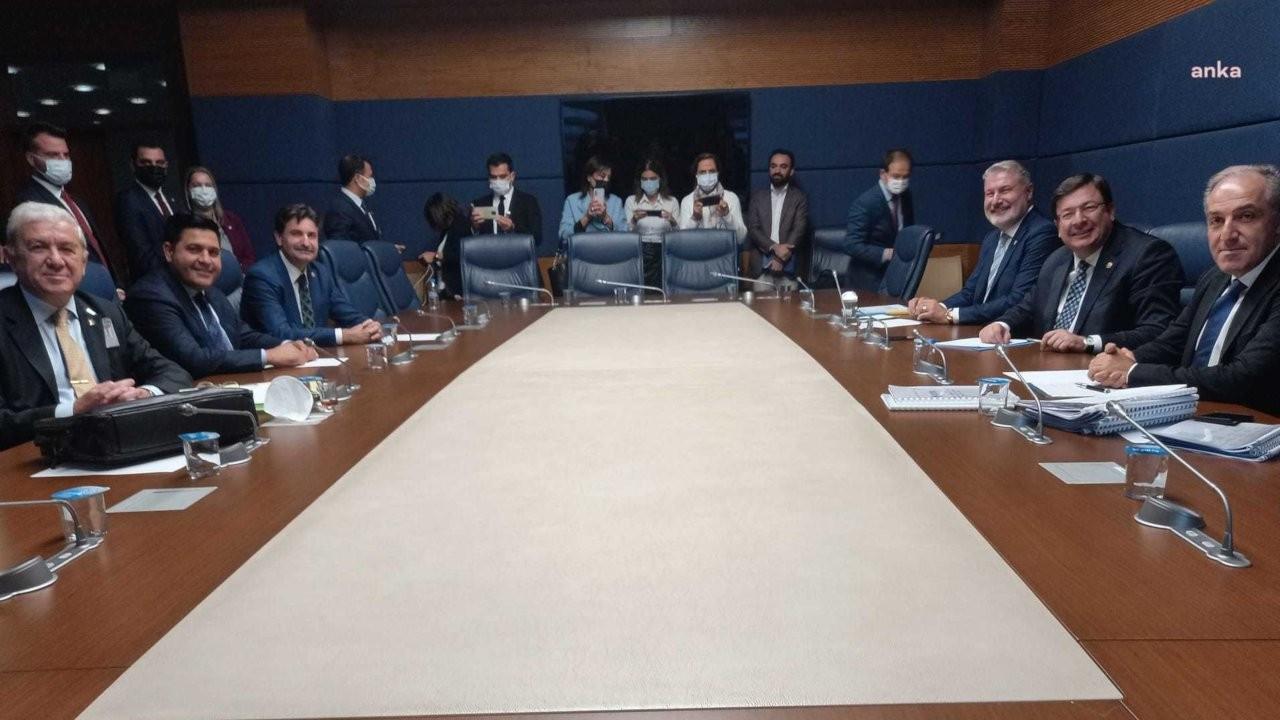 Altı parti 'parlamenter sistem' için TBMM'de toplandı