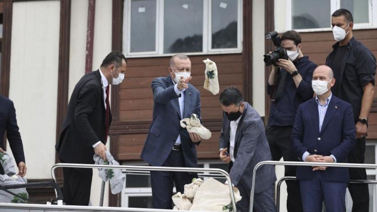 Çay dağıtan liseliler 'Cumhurbaşkanı'yla alay etmek'le suçlandı