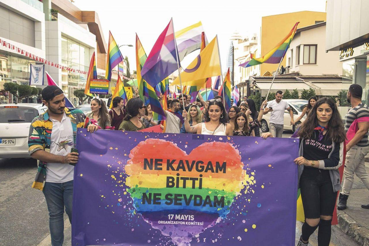 2000 sonrası Türkçe şarkılarda LGBTİ+ temalar - Sayfa 4