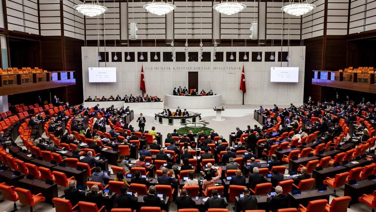Meclis'e Kürtçe gelmedi: Dört dilde çeviri gitti