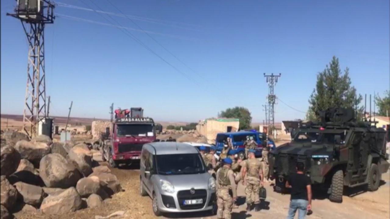Zırhlı araçlarla mahalle basan DEDAŞ ceza kesip trafo söktü