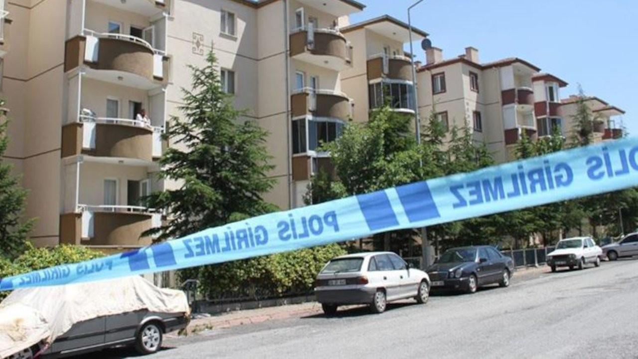 14'üncü kattan otomobilin üzerine düşen kişi öldü