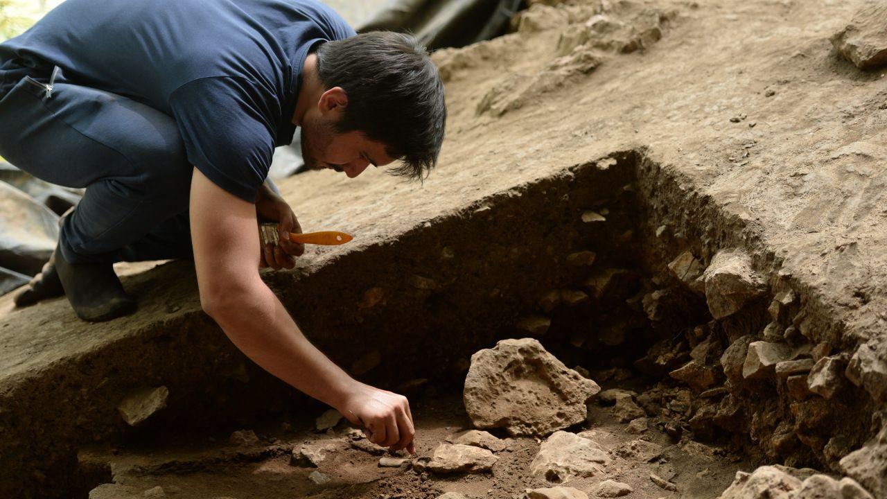Direkli Mağarası'nda 14 bin 500 yıllık tarım aletleri bulundu - Sayfa 1