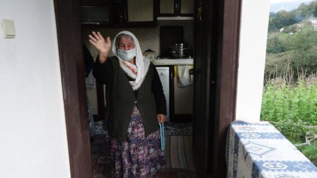 106 yaşındaki Nuriye Özkan koronayı atlattı: Aşı olun