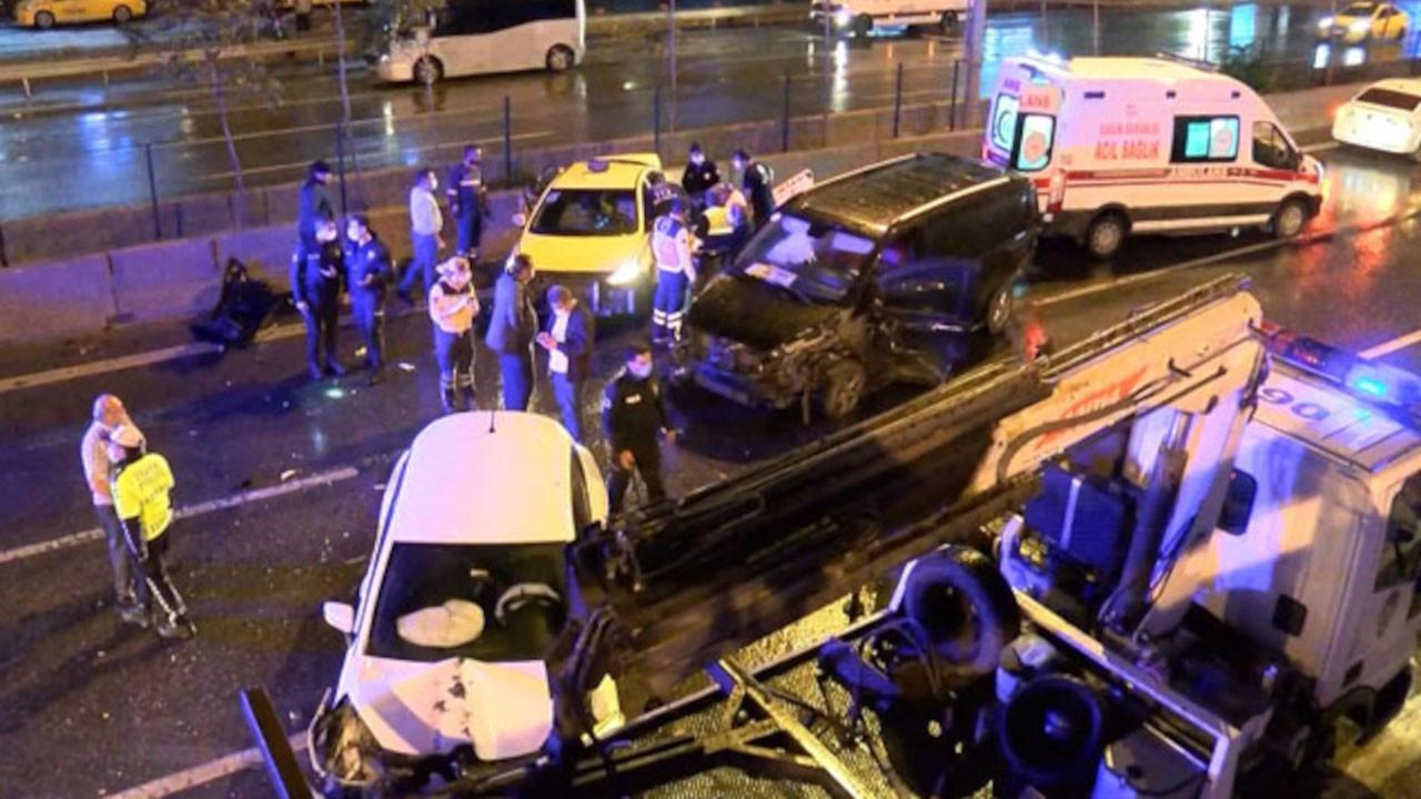 Kadıköy'de zincirleme kaza: 4 yaralı