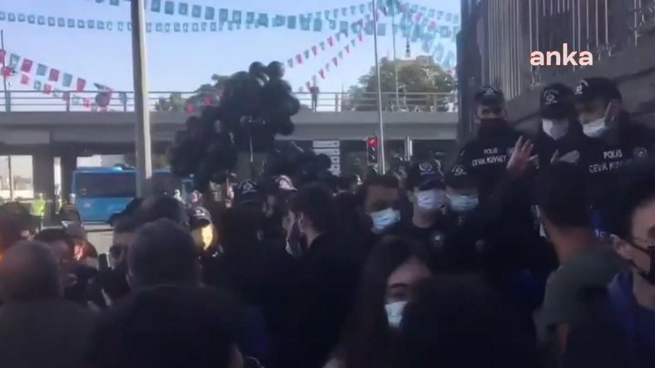 Polisten gazeteciye tehdit: Seni dört parçaya bölerim