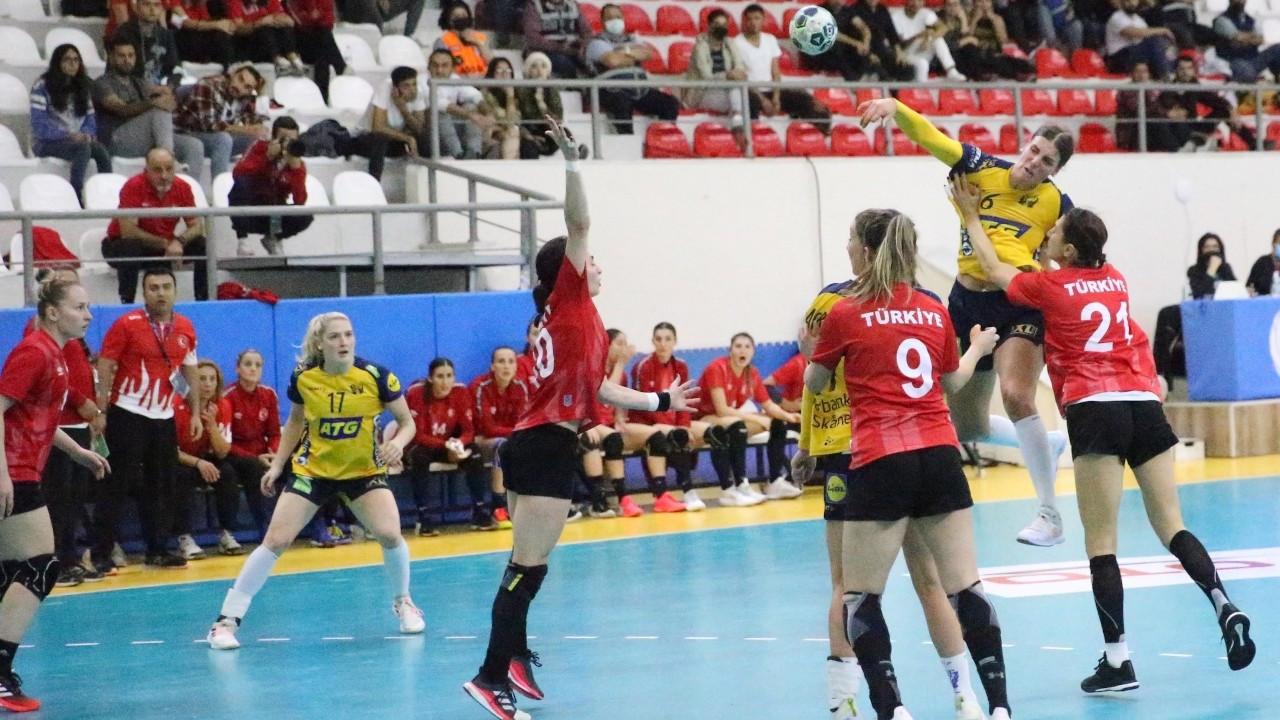 Kadın Hentbol Milli Takımı, İsveç'e 31-23 yenildi