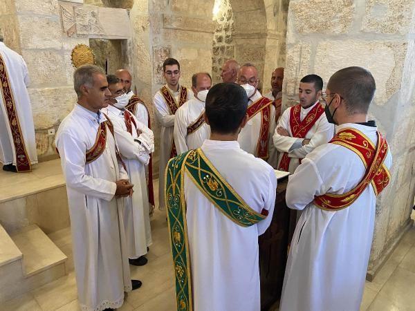 Mardin'de 1700 yıllık kilise zılgıtlarla ibadete açıldı - Sayfa 3