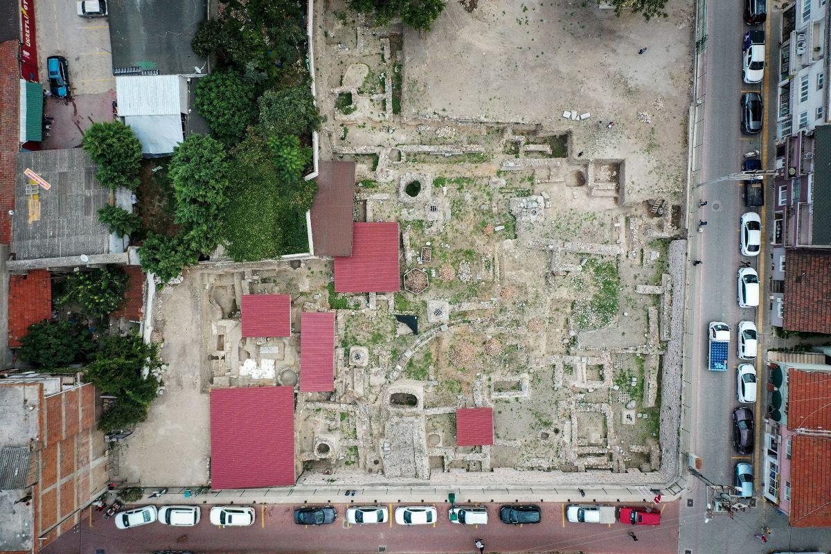İznik'te 600 yıllık kırmızı hamurlu seramikler bulundu - Sayfa 1