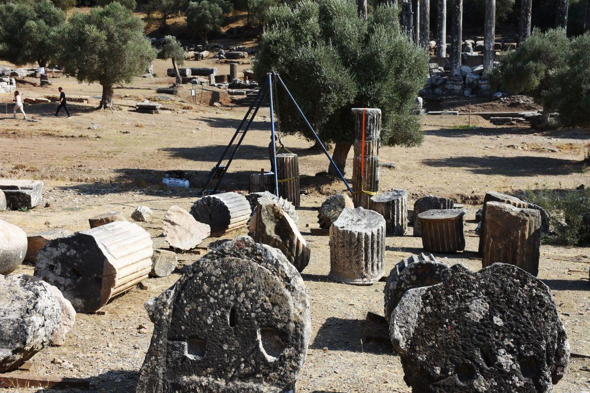 Milas'ta Zeus tapınağındaki sütunlar ayağa kaldırılıyor - Sayfa 2