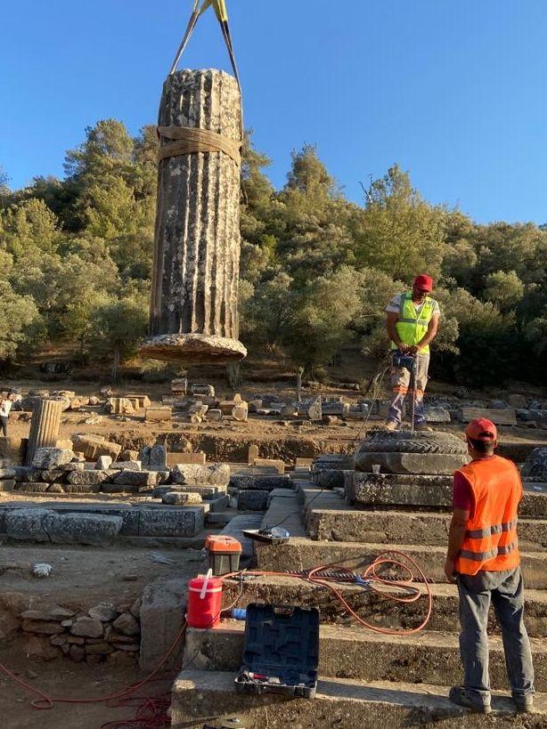 Milas'ta Zeus tapınağındaki sütunlar ayağa kaldırılıyor - Sayfa 4