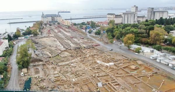 Haydarpaşa'da peronlar kaldırıldı: Toplu mezar, sığınak, çeşme... - Sayfa 1
