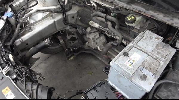 'Canavar gibi' denilen otomobilin motoru yandı - Sayfa 2