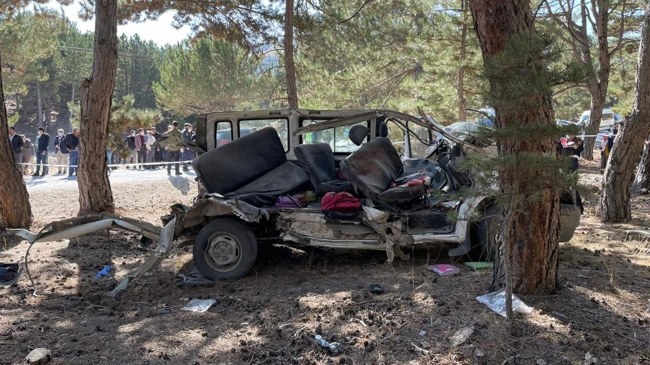 Afyonkarahisar'da 5 öğrencinin öldüğü kazada servis şoförü tutuklandı