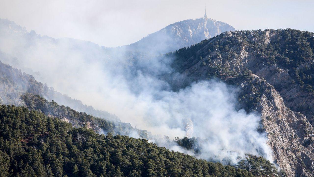 Antalya'da ormana düşen yıldırım yangın çıkardı - Sayfa 4