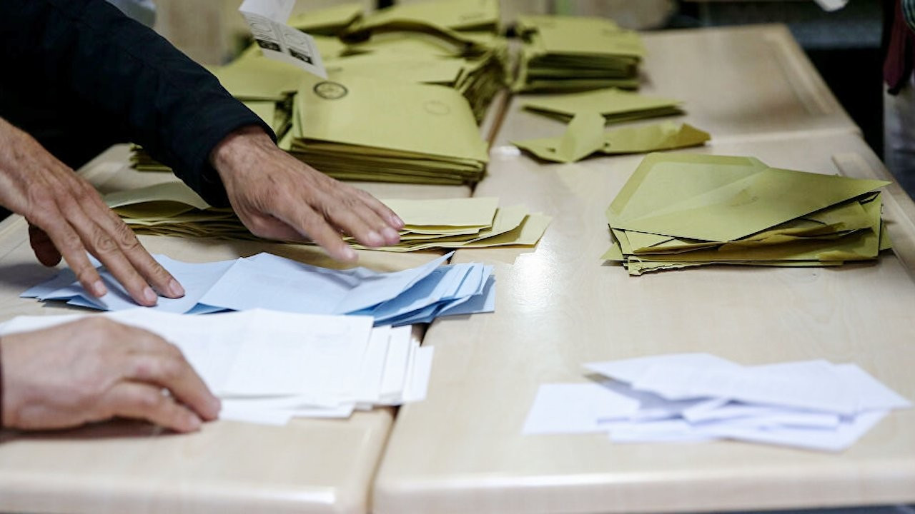 AK Parti ve CHP arasındaki fark yüzde 3'e düştü