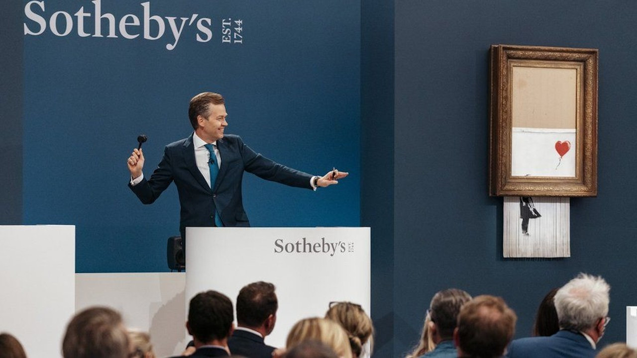 Banksy'nin 'Love Is In The Bin' tablosu rekor fiyata satıldı