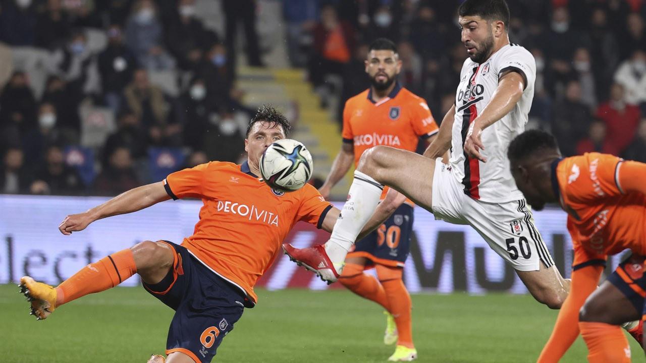 Başakşehir 5 dakikada 2 golle Beşiktaş'ı devirdi: 3-2