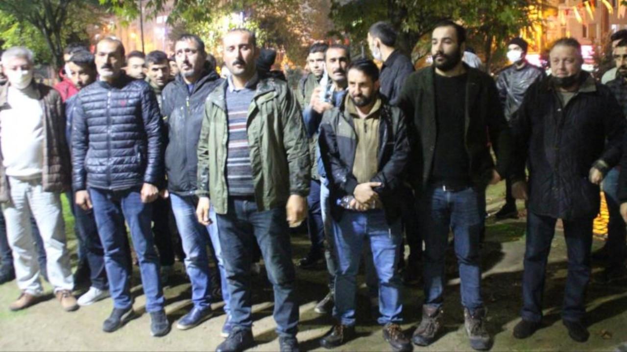 Atık kağıt toplayıcılarının oturma eylemine polis engeli