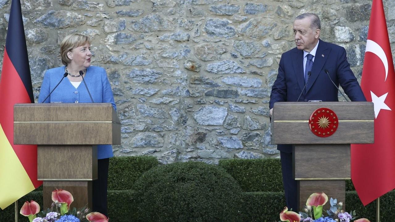 Erdoğan: Merkel'in geliştirdiği yakın temastan mutluluk duyduk