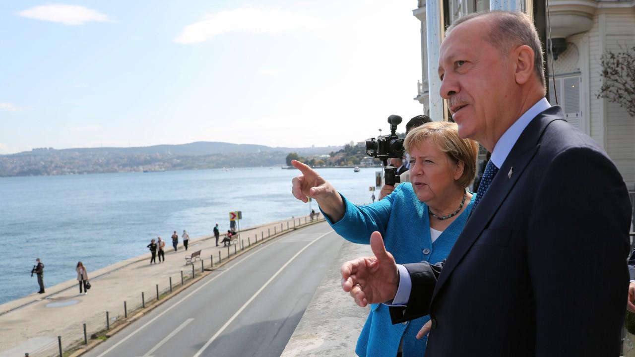 Merkel: Türkiye'yi insan hakları, özgürlükler konusunda hep eleştirdim