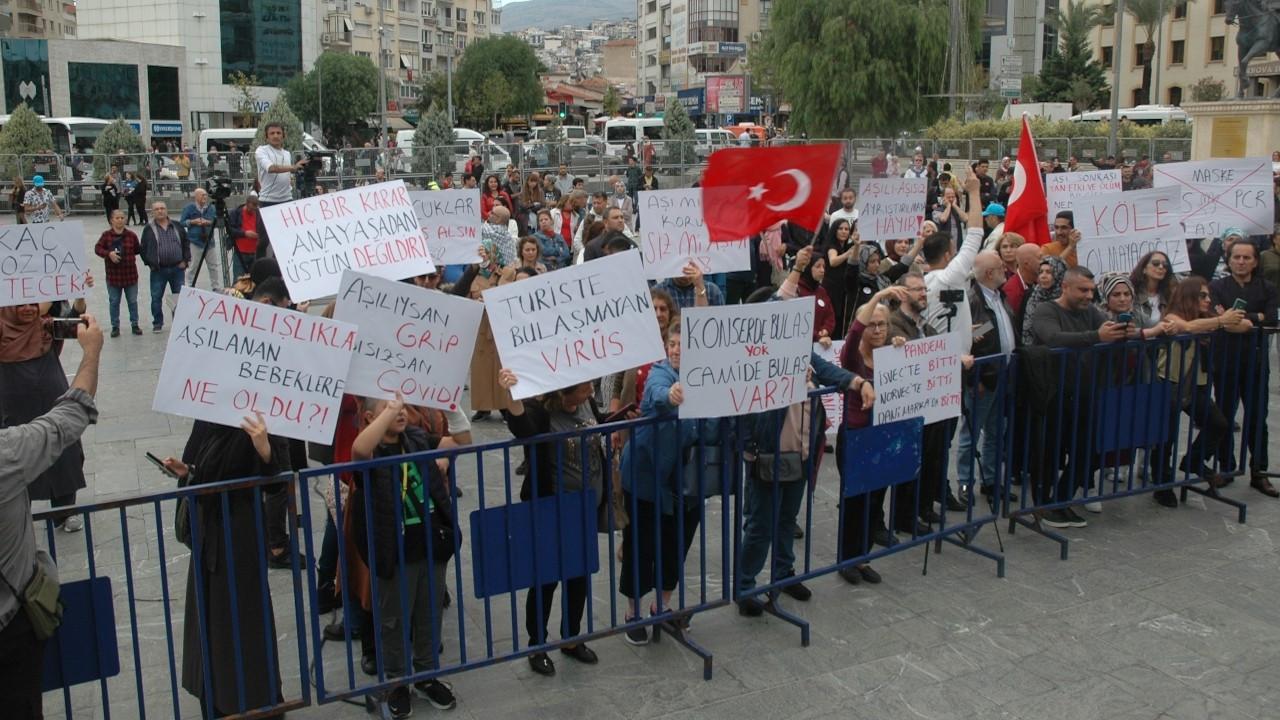 Aşı karşıtlarından İzmir'de miting: Büyük Uyanış