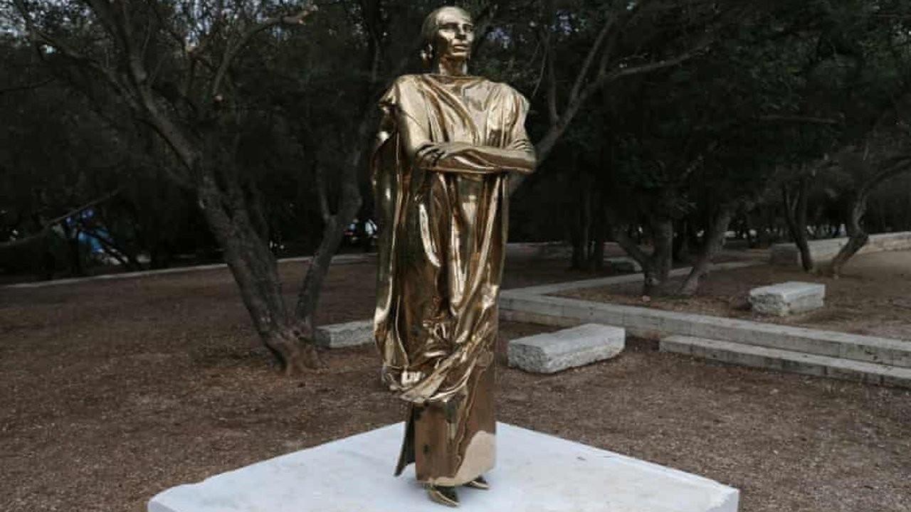 Maria Callas heykeli Yunanistan'ı karıştırdı