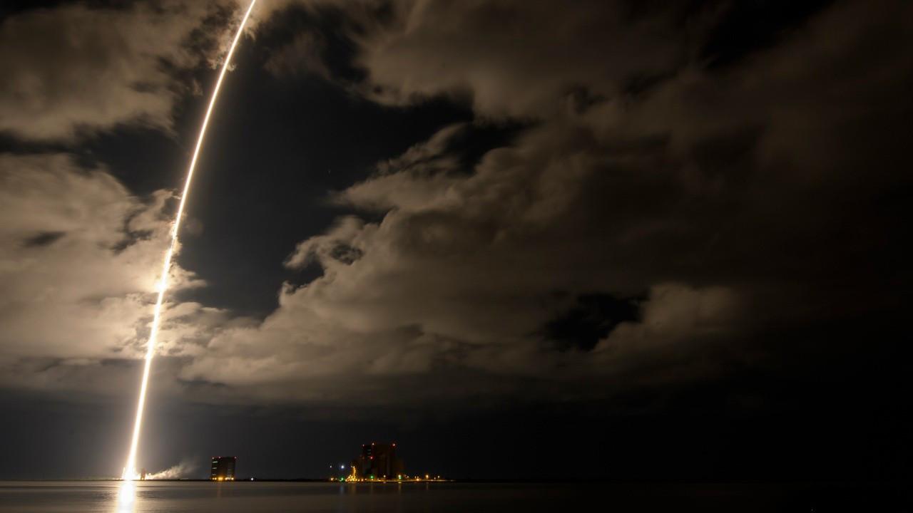 NASA, 12 yıl Jüpiter yörüngesinde çalışacak Lucy uzay aracını fırlattı