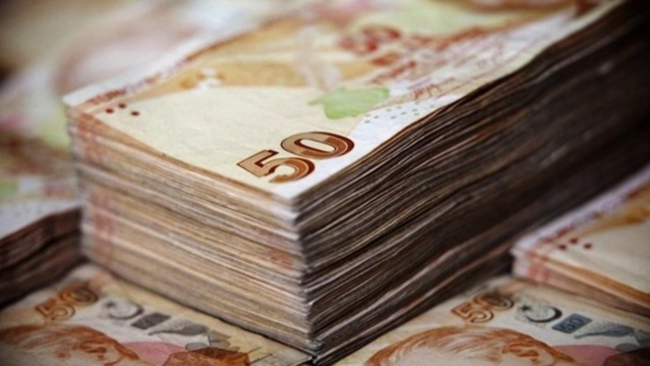 Hazine 8,2 milyar lira borçlandı