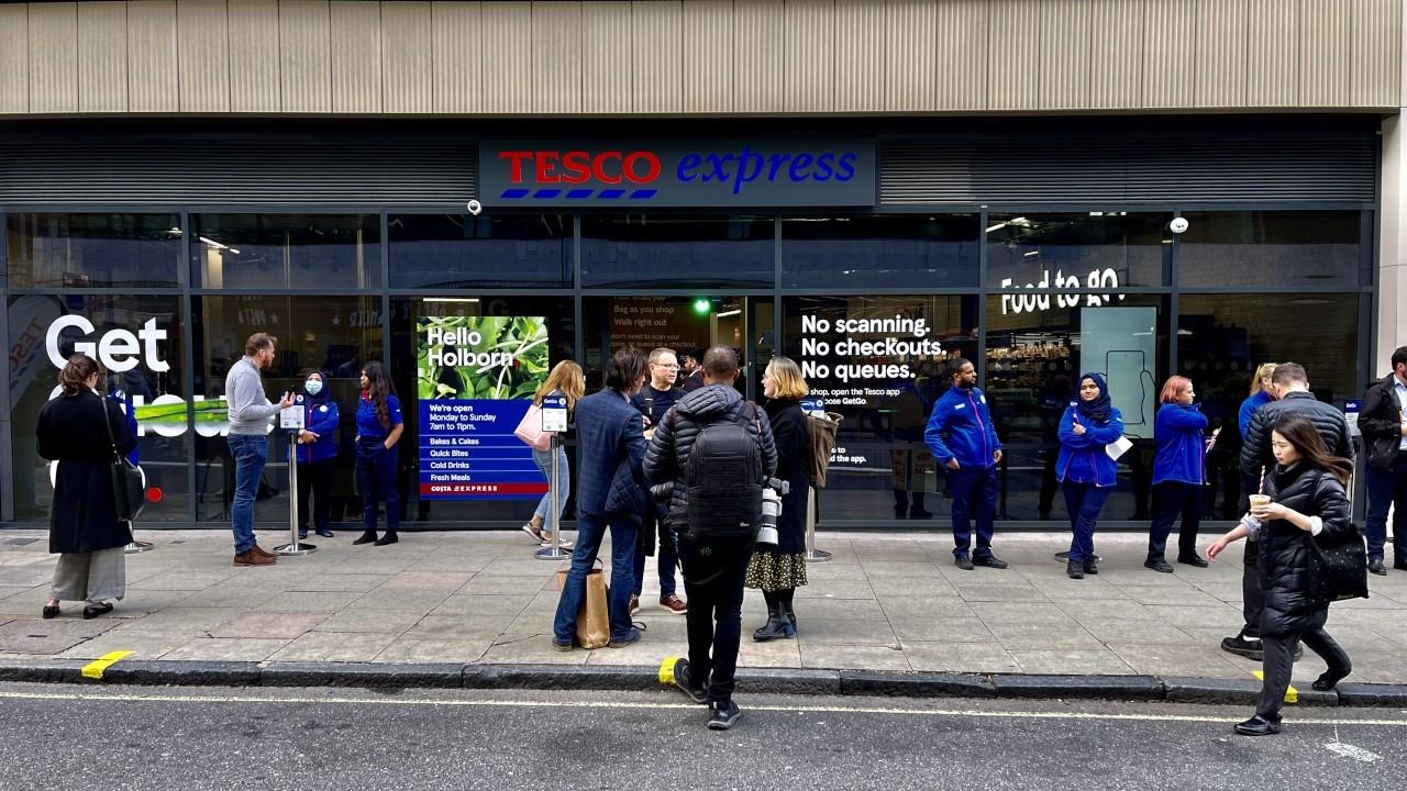 Tesco ilk kasasız marketini açtı