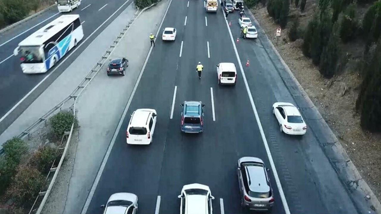 İzmir'de drone ile trafik denetiminde 65 sürücüye 34 bin lira ceza