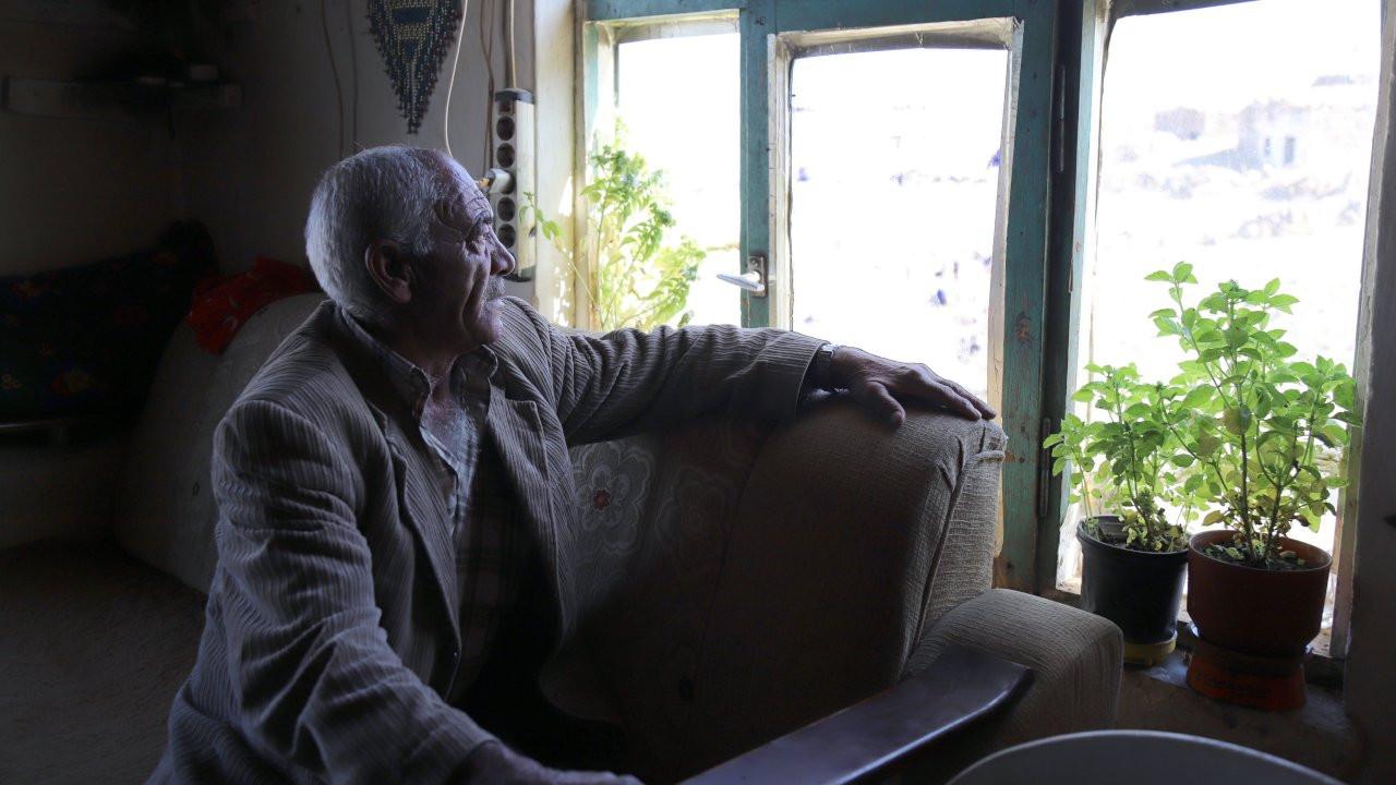 Boşaltılan köyünde 10 yıldır tek başına yaşıyor