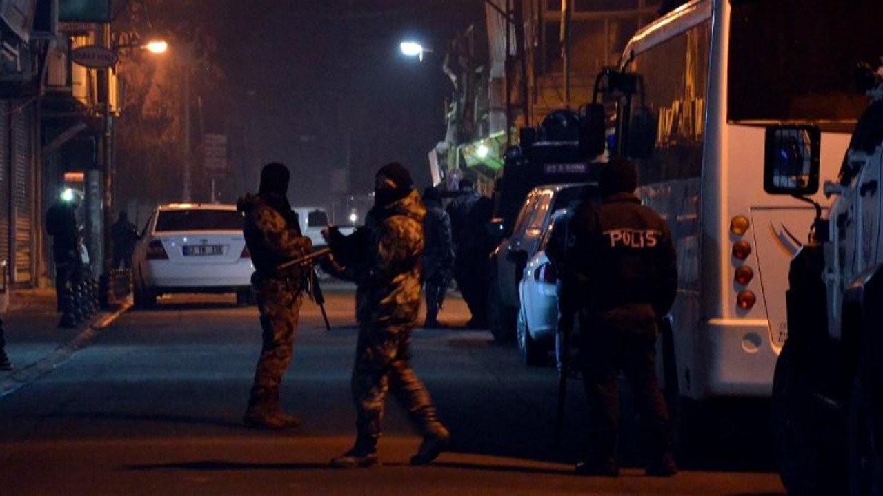 İzmir'de HDP ilçe başkanları da dahil 17 kişiye gözaltı