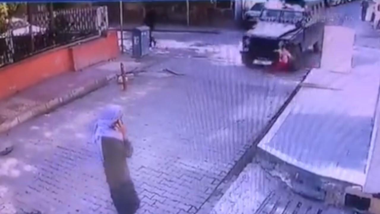 Urfa'da mahalle arasında dolaşan zırhlı araç 5 yaşındaki çocuğu ezdi