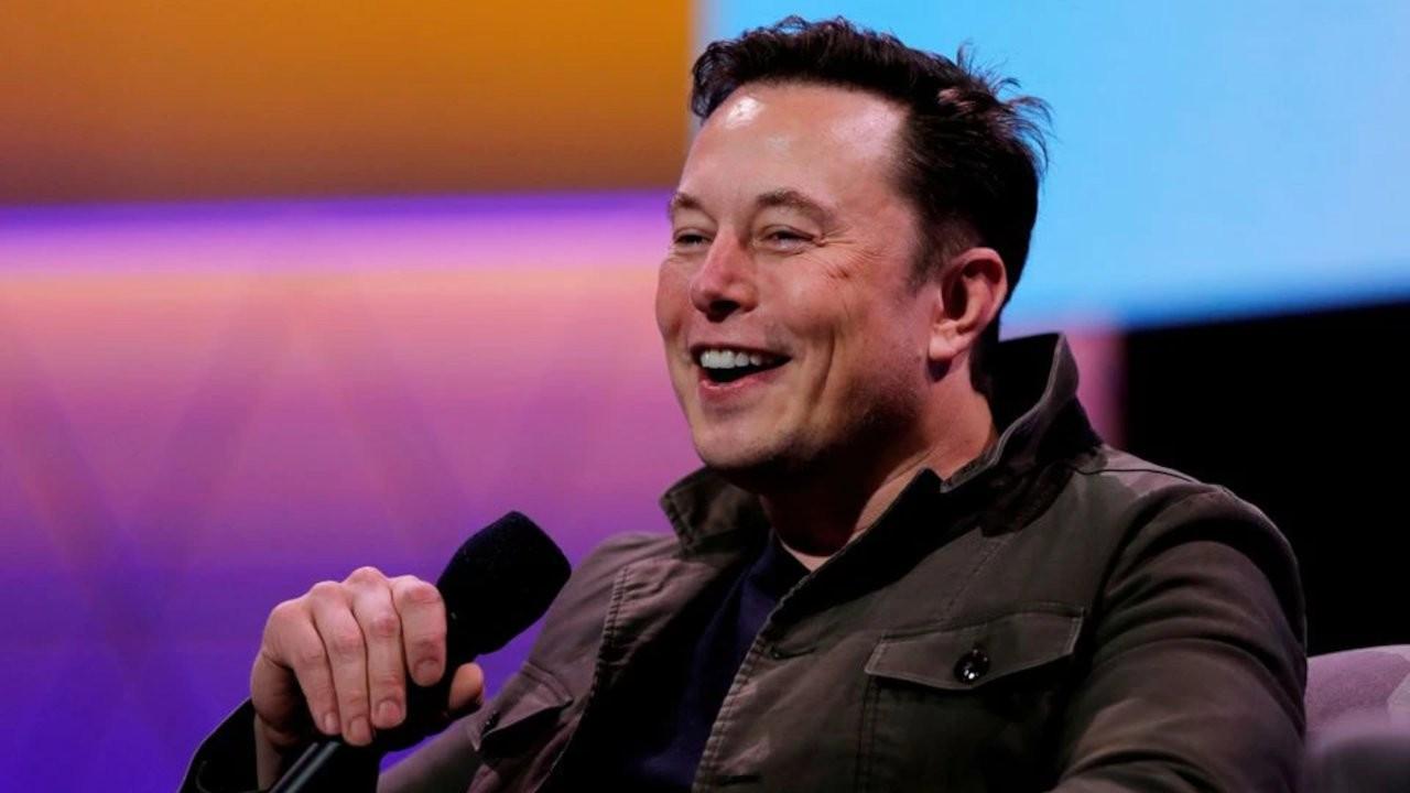 Apple CEO'su Tim Cook'un İstanbul paylaşımına Elon Musk'tan cevap