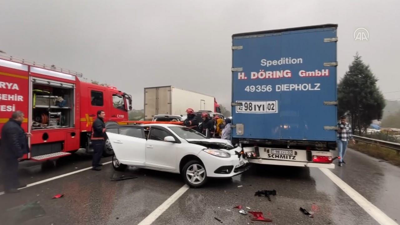 Anadolu Otoyolu'nda 15 araçlık kaza: Ankara yönü ulaşıma kapandı