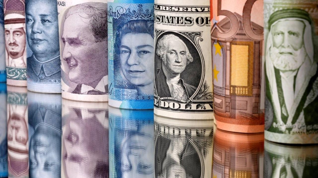 Euro 11 liranın üzerine tutundu, dolar 10 lirayı zorluyor