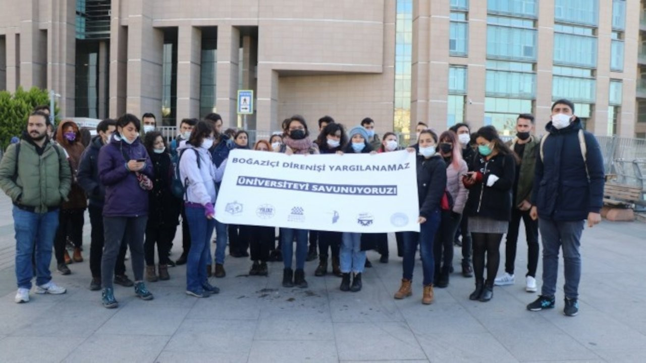 Boğaziçi Üniversitesi'nden 97 öğrencinin yargılandığı dava başladı