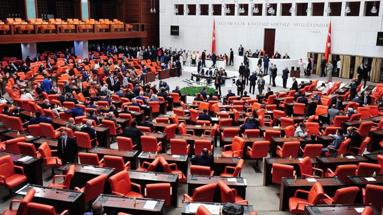 Ankara'nın gündemi tezkere: Kim 'evet' kim 'hayır' diyecek?